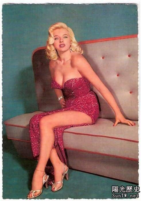 50年前西方美女標準:胸部豐滿嘴唇厚