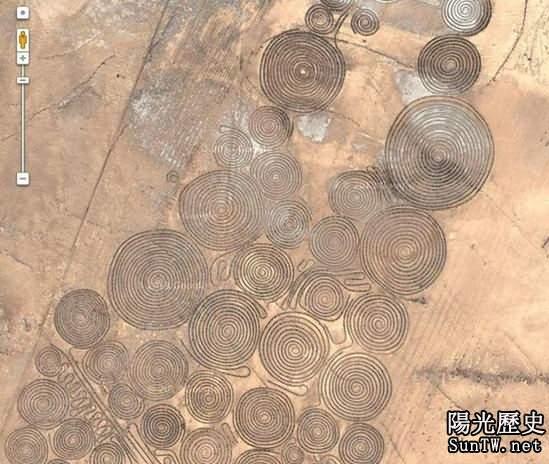 驚!南非沙漠中發現大面積奇怪螺旋