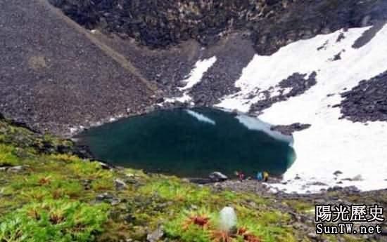 靠近就斃命!喜馬拉雅神秘「人骨湖」