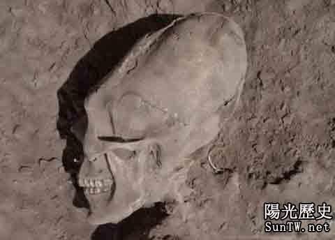 墨西哥考古學家最新挖出一外星人頭骨