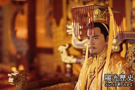 歷史上與幼女睡覺時間最長的皇帝