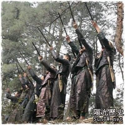 中國最後的槍手部落:青布素衣槍不離手