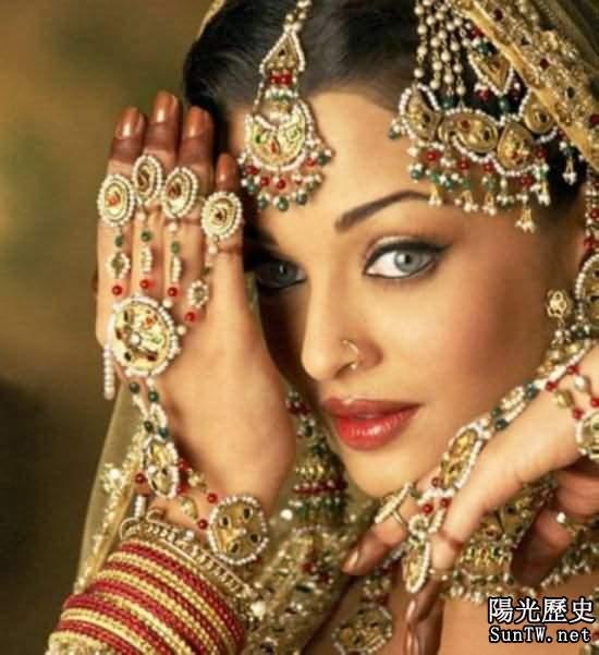 為破剋夫命 印度第一美女竟嫁香蕉樹